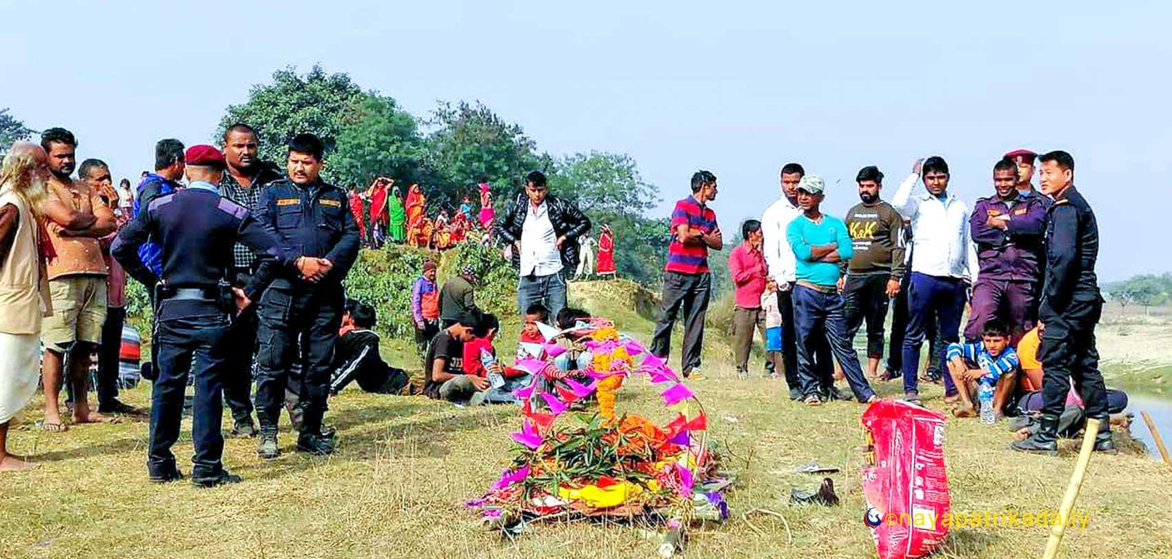 शंकास्पद मृत्यु भएकी महिलाको दाहसंस्कारको तयारी : घाटबाट शव बरामद, श्रीमान् पक्राउ