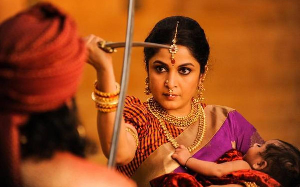 बलिउडबाट किन गायब छिन् 'बाहुबली' की 'शिवगामी देवी' ?